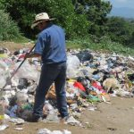 Además de la barranca El Chanal, otros sitios del municipio son usados por la gente como basureros. Foto edh / R. Zambrano