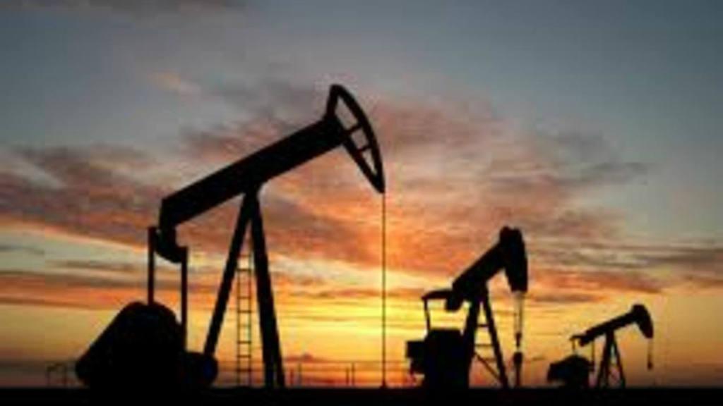AIE aumenta su previsión de demanda de petróleo para 2016
