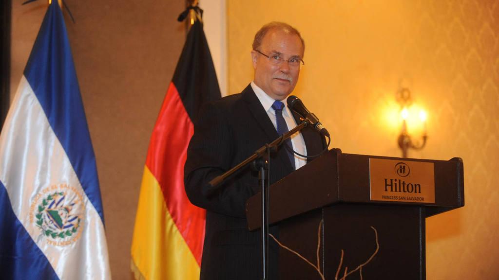 El Embajador Heinrich Haupt