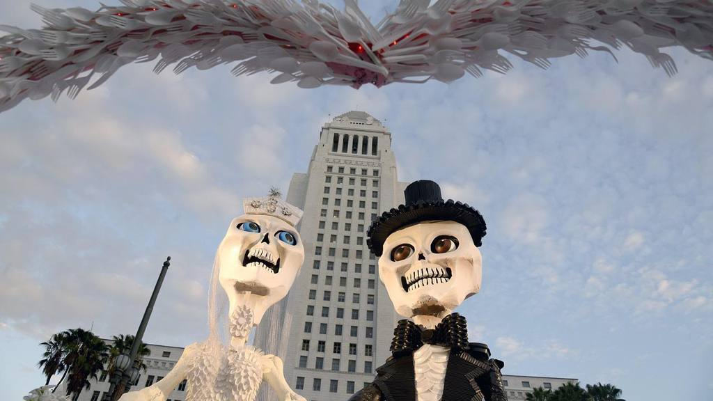 Day of the dead preparations in Los Angeles
