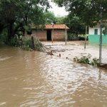 Viviendas inundadas en cercanías del Río Goascorán