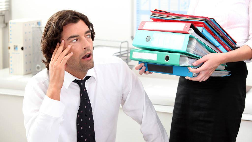 Conoce 3 peligros de trabajar en exceso