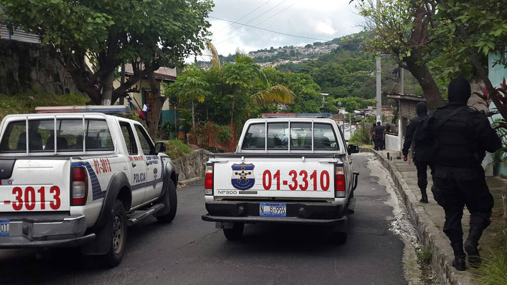 Mueren dos pandilleros al enfrentarse a policías en colonia Quiñónez