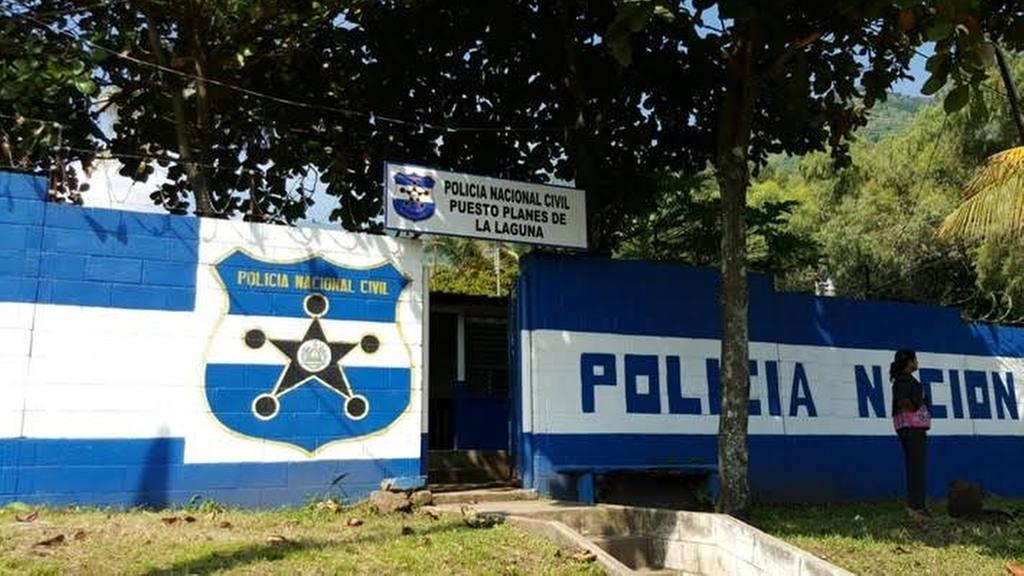 La FundaciÛn Coatepeque, con el apoyo de vecinos y de la empresa privada, realizÛ la remodelaciÛn del puesto policial del cantÛn Planes de la Laguna,