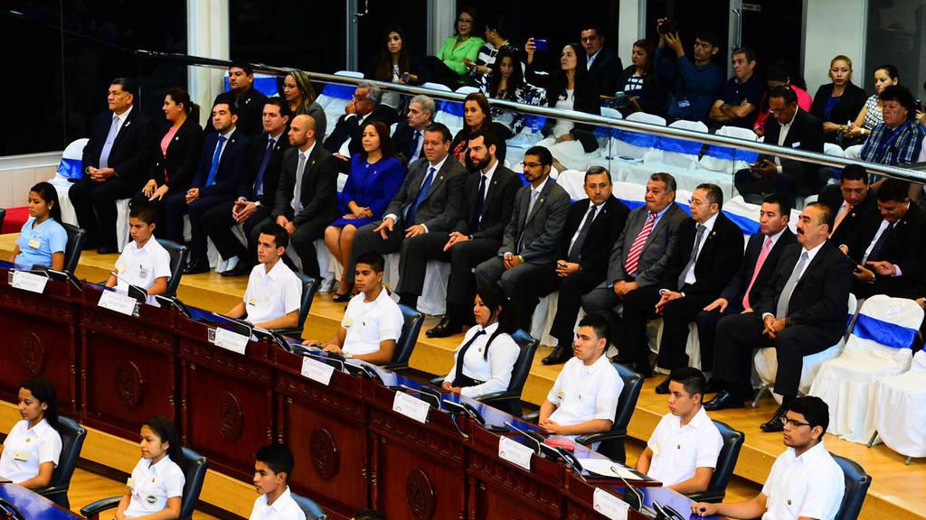 Plenaria jóvenes