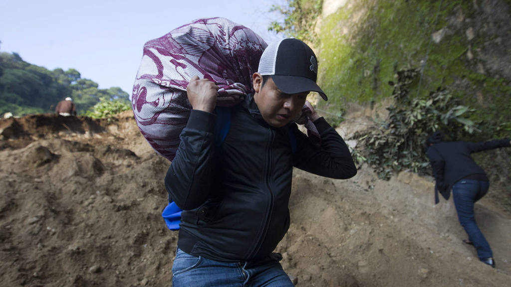 DESLIZAMIENTO DEJA AL MENOS CINCO MUERTOS EN EL SUROESTE DE GUATEMALA