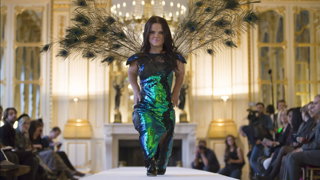 Dwarf Fashion Show in Paris