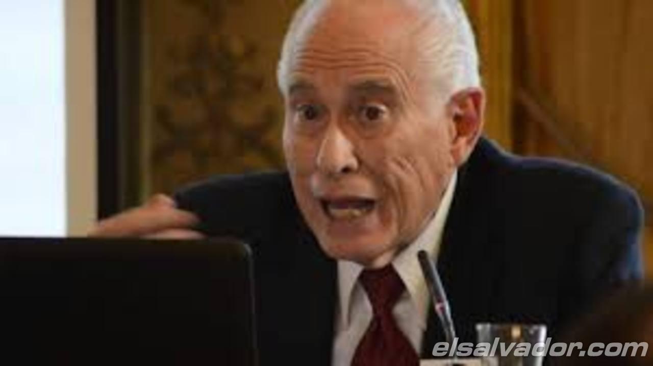 Carmelo Mesa Lago dijo al FMLN que sistema mixto no era viable