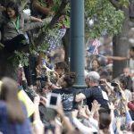 Miles de personas abarrotan Filadelfia para misa papal