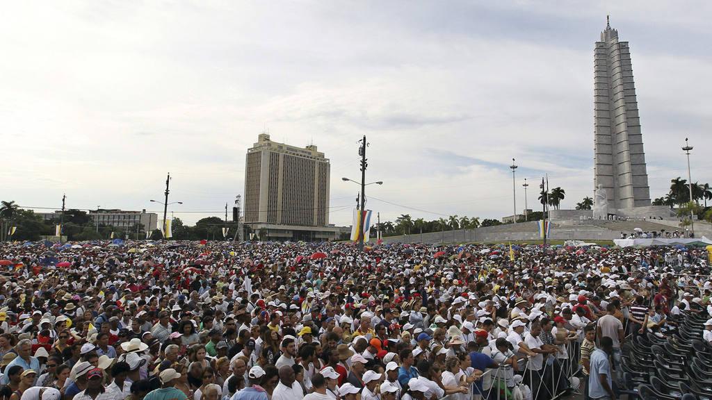 FRANCISCO OFICIA EN LA PLAZA DE REVOLUCI?N DE LA HABANA, PRIMERA MISA EN CUBA