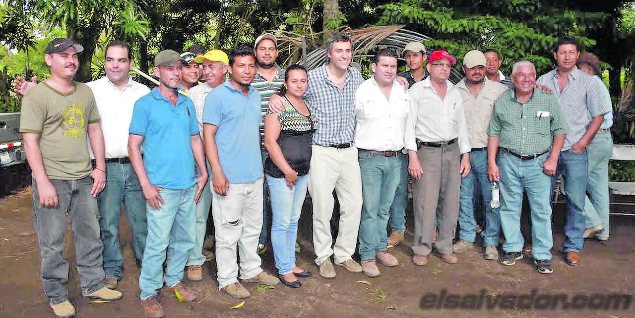 programa Cultivando Oportunidades de Súper Selectos, Atiquizaya,