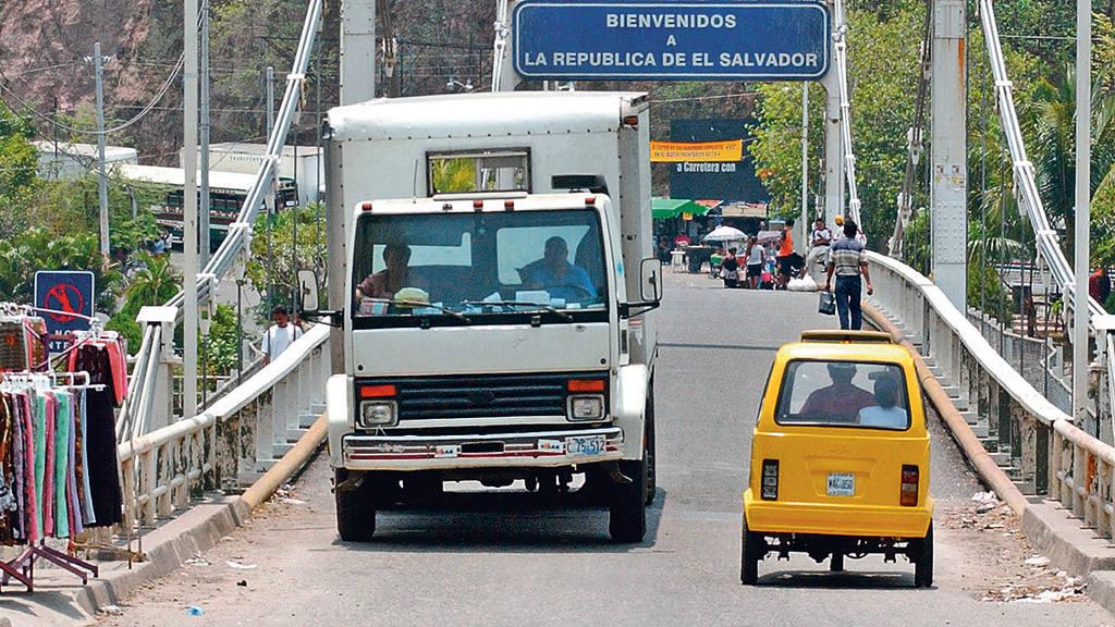 Frontera Anguiatu El Salvador-Guatemala