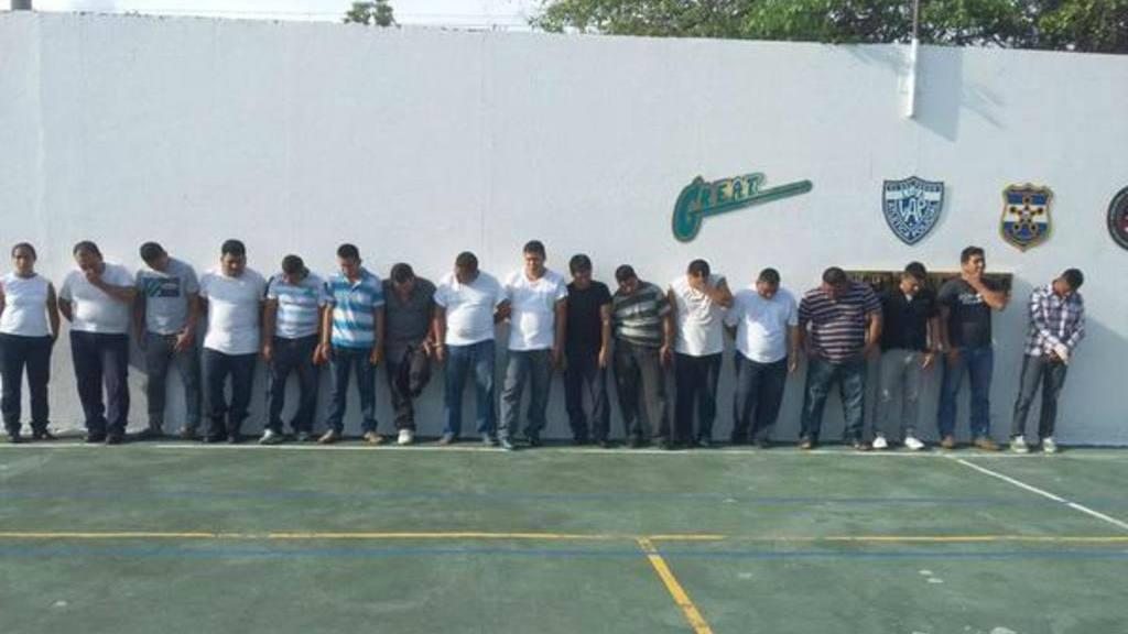 Capturan a 18 custodios en medio de requisa en penal de Usulután