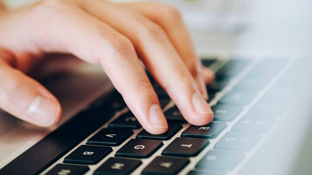 Protege a tus hijos de los peligros en las redes sociales