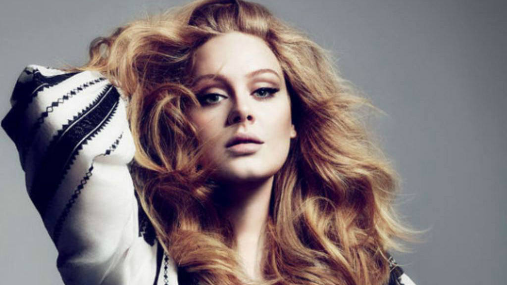 Exnovio de Adele publica fotos íntemas de la cantantes
