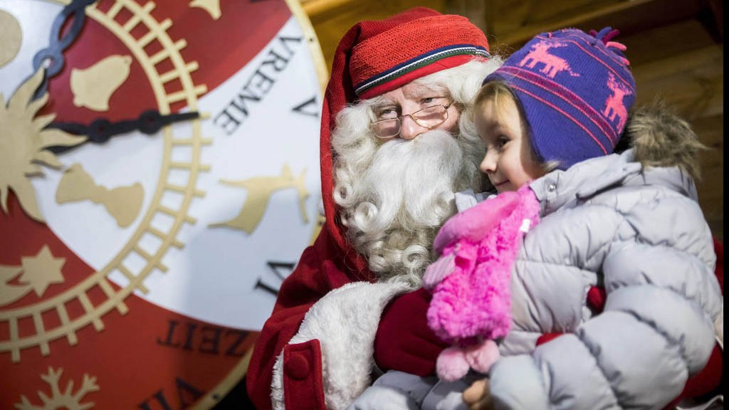Finnish Santa Joulupukki visits Budapest