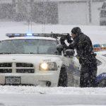 Hombre armado se atrinchera en clínica de EE.UU. y deja al menos 8 heridos