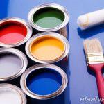Variedad de pinturas con tonalidades distintas