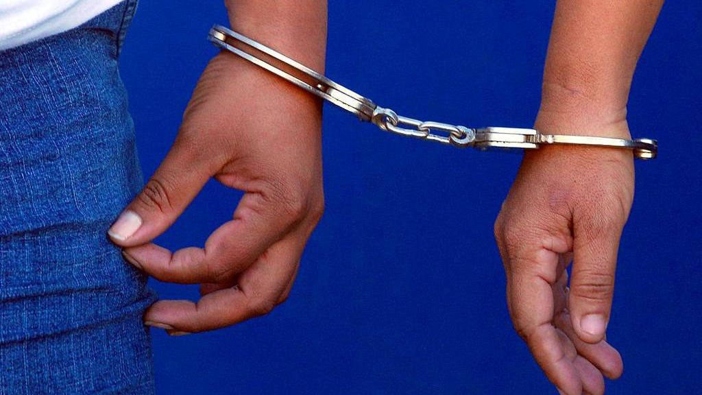 Condenan a banda de robacarros hasta a 150 años de prisión