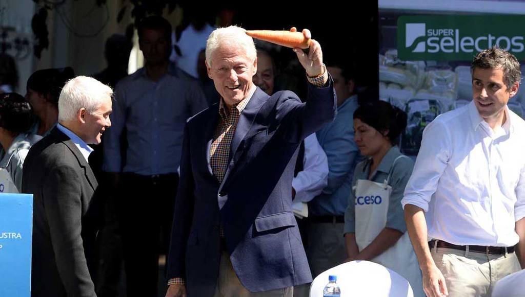 Visita de Bill Clinton, Carlos Slim a El Salvador junto a Carlos Calleja