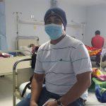Luis Vides, un paciente con leucemia, permance en el Servicio de Hematooncología.