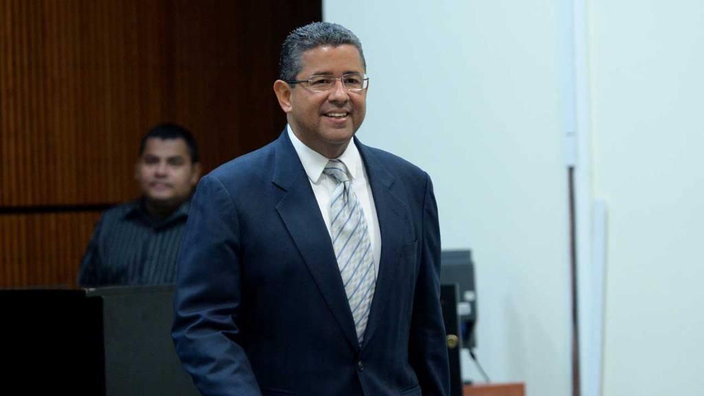 Fiscalía pide desestimar lavado de dinero contra Francisco Flores