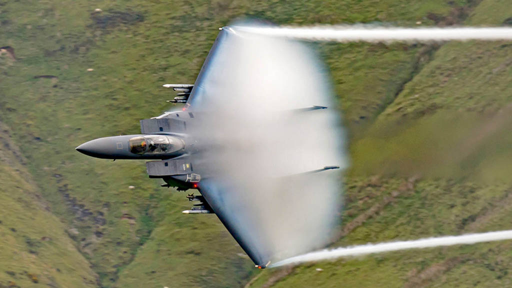 Vuelo de un jet F-15