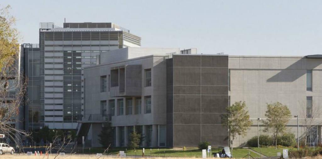 Cinco apuñalados en universidad en California, EE.UU.
