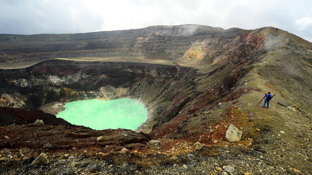 Recorrido por el volcán Ilamatepec y la comunidad y finca San Blas