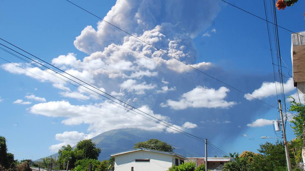 7 imágenes de la erupción del volcán de San Miguel