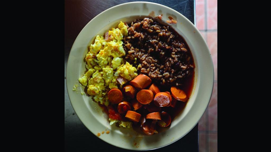 Rica comida salvadoreña en San Rafael Cedros