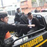 Descubren auto con placas salvadoreñas con casi un millón de dólares en Guatemala