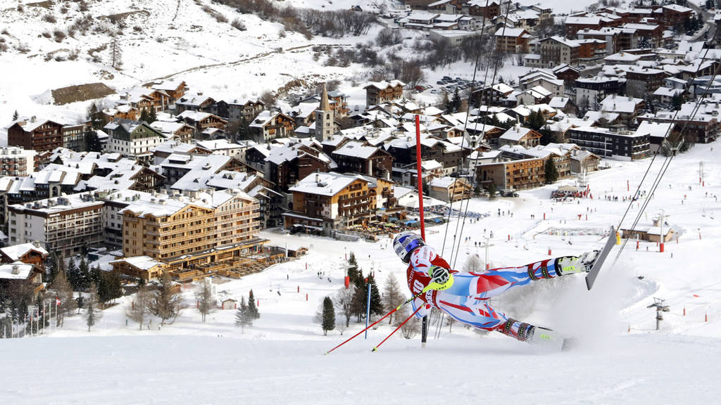 Alexis Pinturault falls during the second run of a men's World Cup sl
