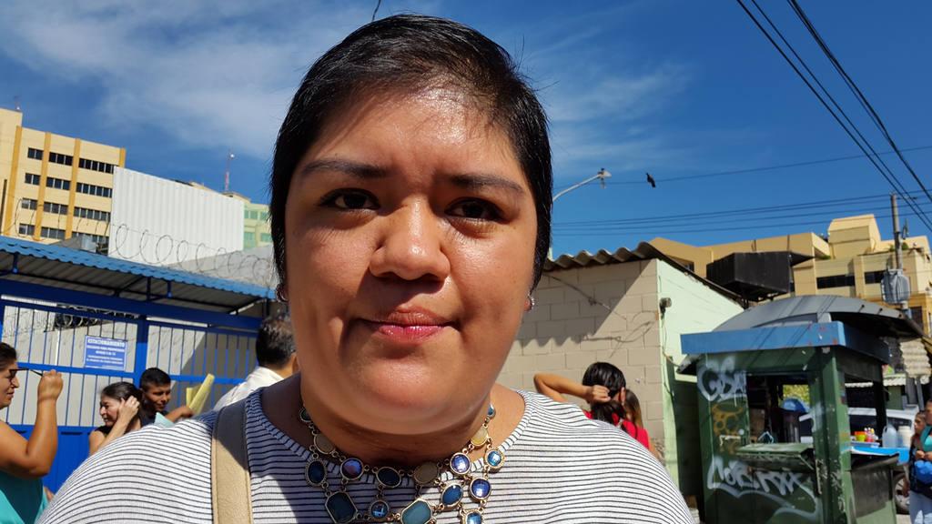Lucía Vázquez padece una rara enfermedad que produce tumoraciones.