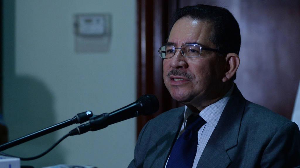 Magistrado Eugenio Chicas confirma que ninguna persona con DUI vencido podra votar este 9 de Marzo.