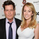 Exnovia de Charlie Sheen lo demanda por abusos y esconder que tenía VIH