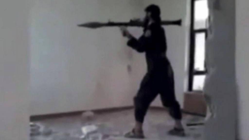 VIDEO: Soldado de ISIS se estalla por error