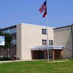Niña de 13 años amenaza de tiroteo a escuela en Dallas