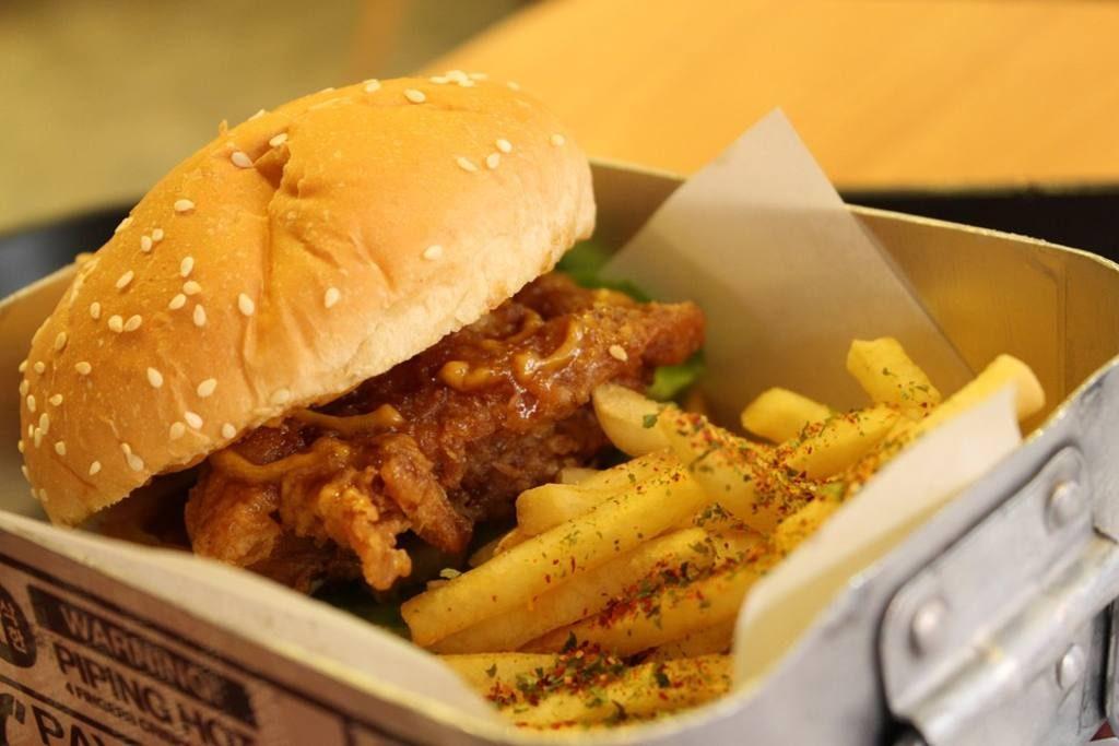 Deliciosa hamburguesa de pavo y aguacate