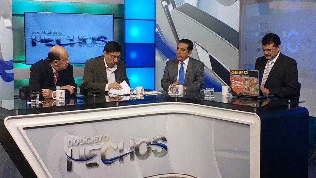 Exfuncionarios en entrevista en Canal 12