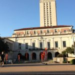 Universidad de Texas permitirá que alumnos lleven armas a clases