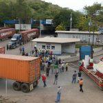 Transportistas de carga bloquearon por varias horas la frontera Angiat?, en Metap·n,