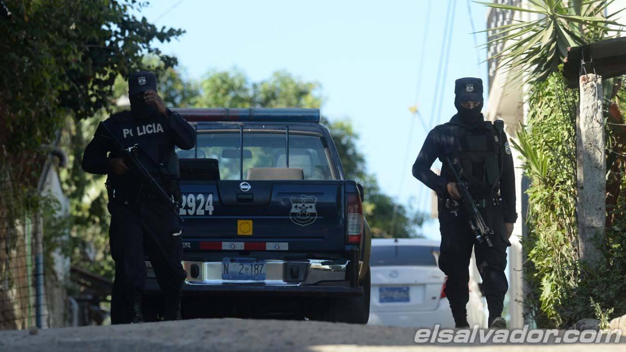 Escena de enfrentamiento entre policías y pandilleros en, Villas de Zaragoza,  hay 4 pandilleros muertos