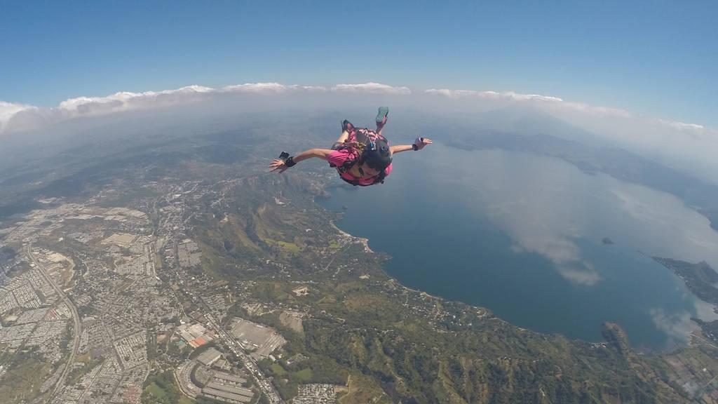 Saltos extremos para la magia del Air Show