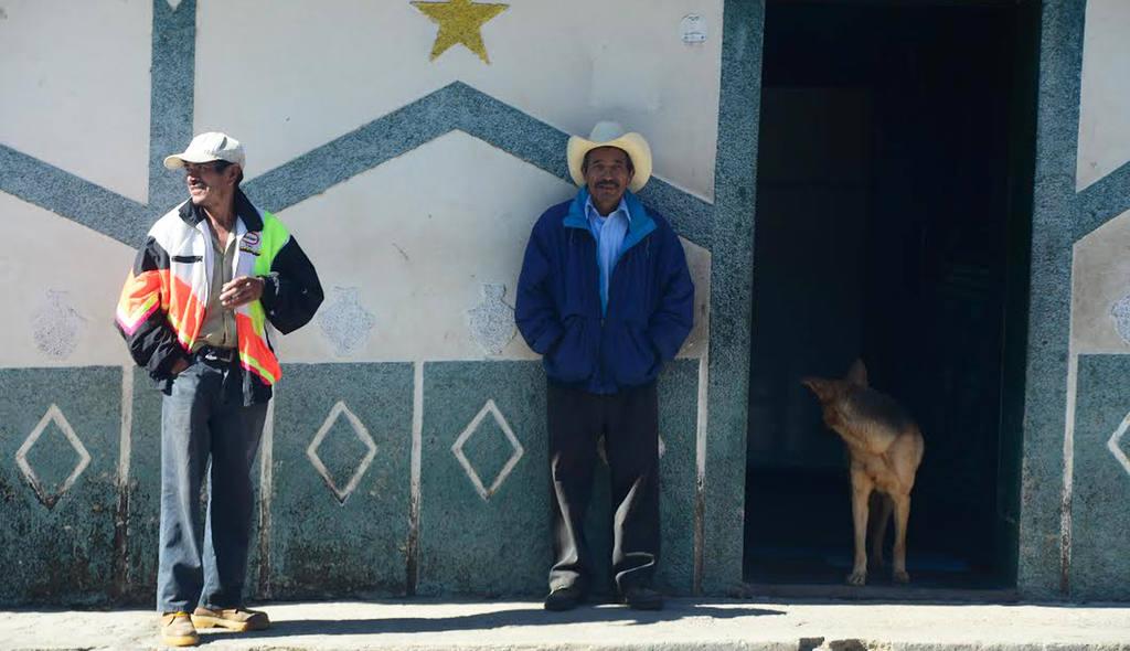 Salvadoreños disfrutan del clima fresco en el Pital