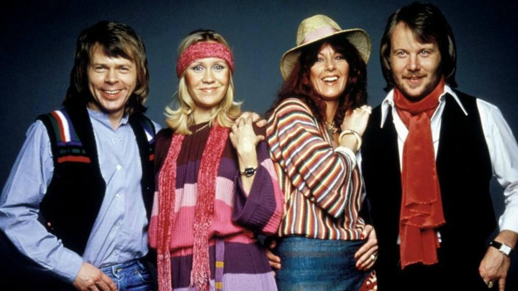 ABBA se reúne por primera vez en ocho años para estrenar un espectáculo