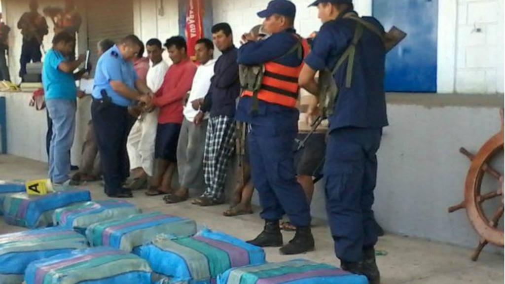 Detienen a siete salvadoreños en Nicaragua cuando recogían droga en el mar
