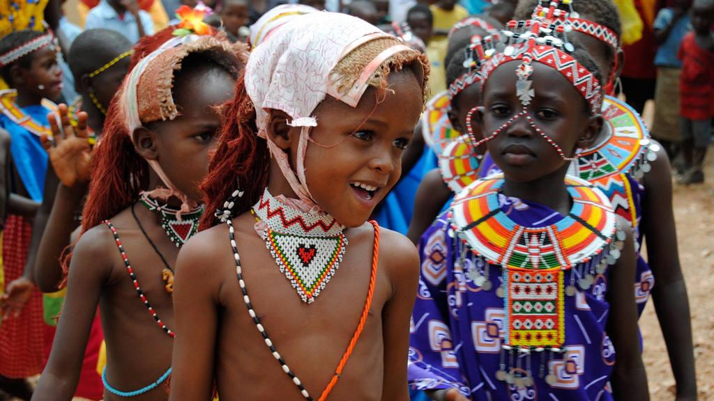 LA EDUCACI?N FRENA LAS PR¡CTICAS M¡S SALVAJES DE LA TRIBUS KENIANAS
