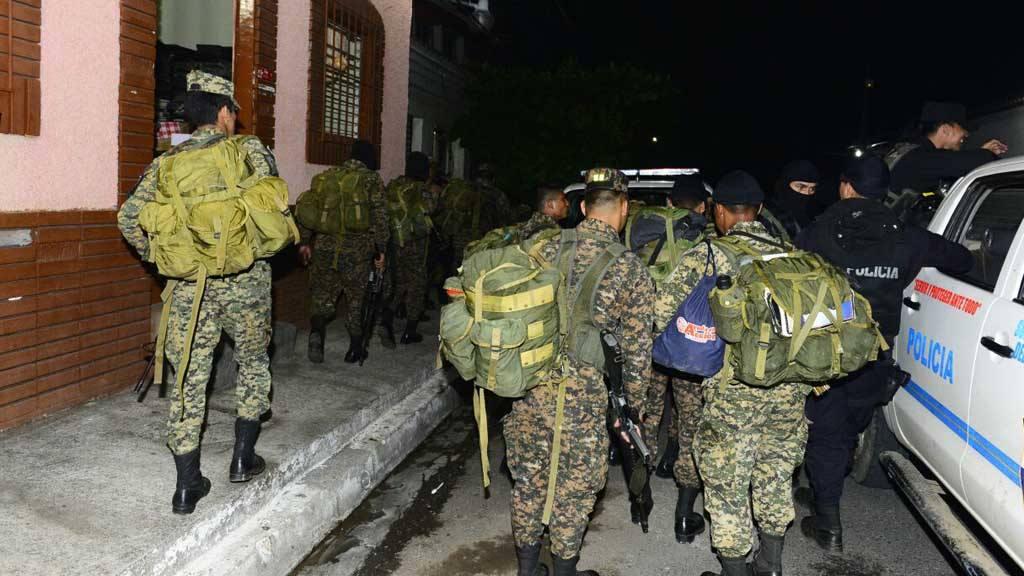 Despliegue de soldados reservistas en Izalco.
