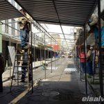 Instalan canopys para vendedores ambulantes